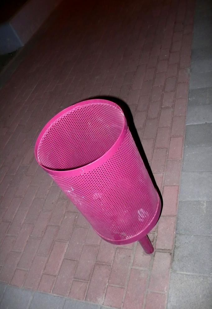 pink trash bin. Larnaka. August '09. Photo: Aris C. all rights reserved