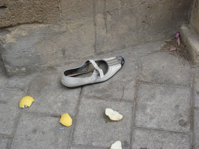 abandoned shoe. Nicosia down town. June '09. Photo: Myria Konnari. all rights reserved