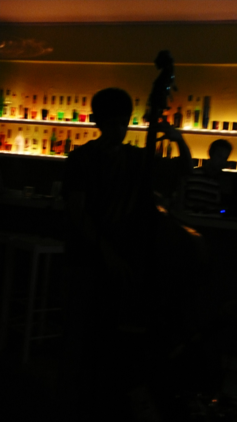 Colin on the bass. Brew, Down town Nicosia. 30th September '09. Photo: Aris C. all rights reserved